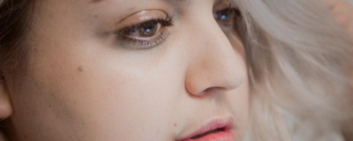 gabilu-mireles-curvy-blogger-mexicana-fat-gab-gorda-belleza-tips-consejos-pestañas-extensiones-ojos-maquillaje-tutorial-rubia-curvas-tallas-grandes-cotilleo-mexico-santa-maria-la-ribera